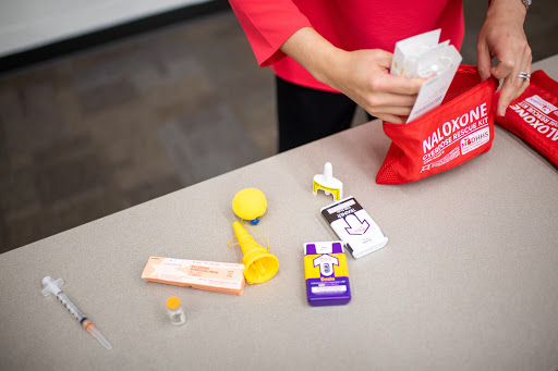 Flight Attendants Applaud FAA Move to Include Naloxone Onboard